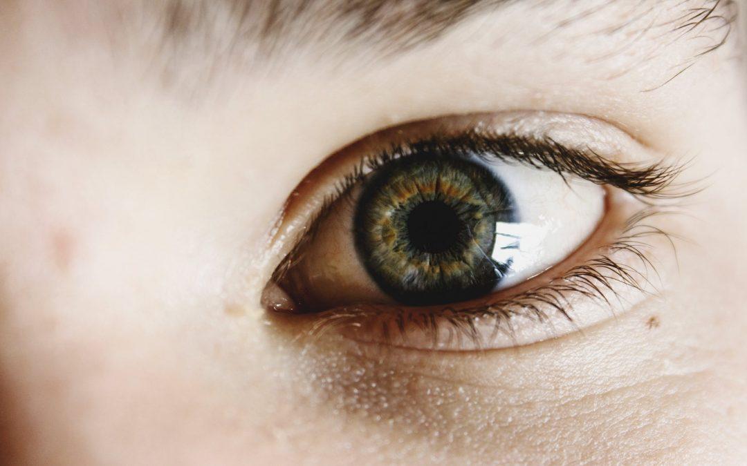 Mantenere uno sguardo giovane: la blefaroplastica senza rischi