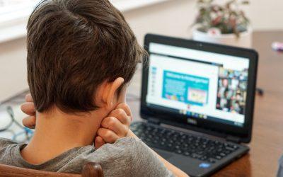 Didattica a distanza: come proteggere gli occhi dei nostri figli?